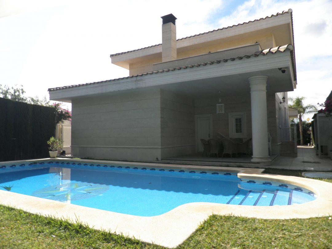 Ref. 10 Villa palacete en Petrel. Máximas calidades.