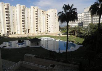 Ref. 121 Piso en urbanización completa en 2ª línea de playa Muchavista