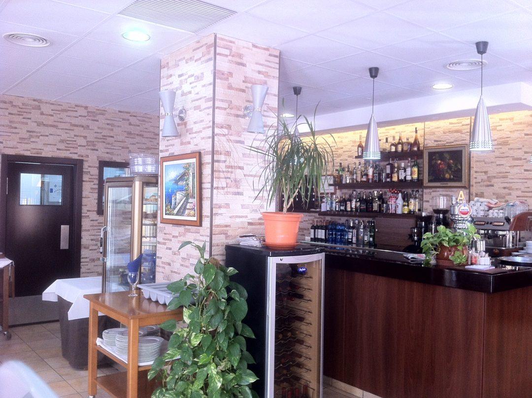 Ref. 13 En venta restaurante en pleno funcionamiento
