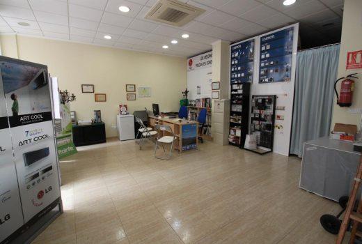 Ref. 44 Local listo para cualquier negocio en Campello