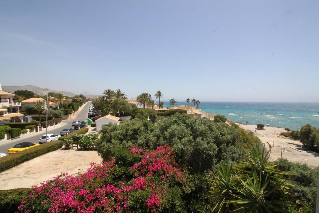 Ref. 35 Bungalow junto a la playa de La Almadraba