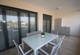 Ref. 20063 San Juan playa. Piso 2 dormitorios con urbanización y garaje. Alquiler larga duración.