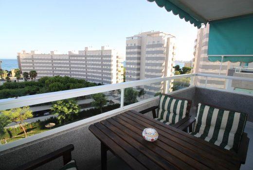 Ref. 33 Campello, piso 3 dormitorios en 2ª línea de playa. Urbanización completa.