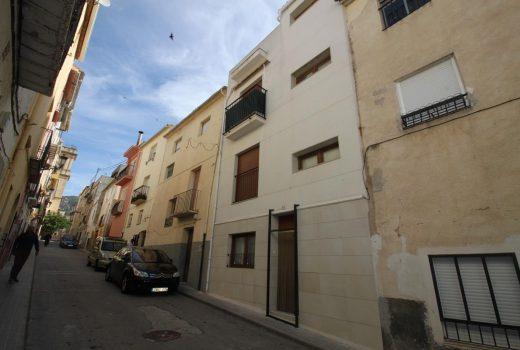 Ref. 1 Tibi, Alicante. Casa de pueblo recién reformada.