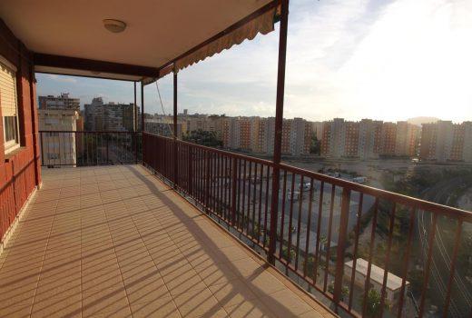 Ref. 28 Playa de San Juan. Apartamento 2 dormitorios. Urbanización completa.