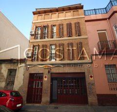 Ref. 26 Alicante. Edificio 4 alturas, con local y viviendas. Garaje 5 coches.