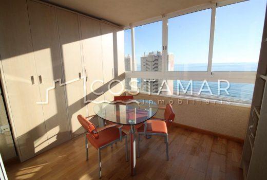 Ref. 20056 Playa Muchavista. Alquiler anual. Vivienda 2 dormitorios. Garaje. Urbanización.