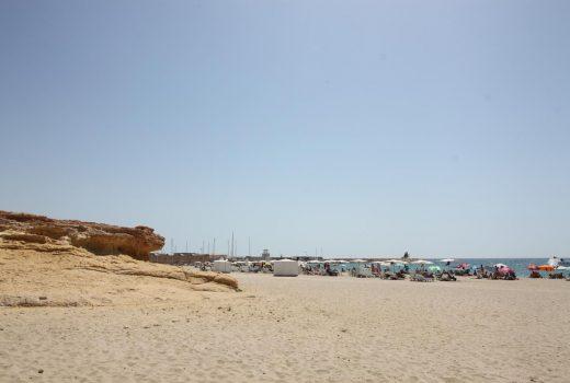 Ref. 20001 Dúplex 3 dormitorios junto al paseo marítimo de Campello. Alquiler larga duración.