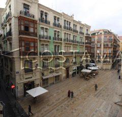 Ref. 20066 Alicante, centro histórico. Junto a Concatedral de San Nicolás. Alquiler larga duración.