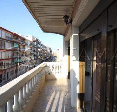 Ref. 22 El Campello. Casco urbano. Vivienda 120 m2 útiles. A pocos metros tram.
