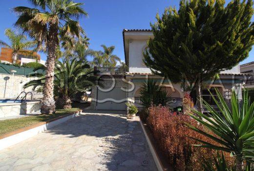Ref. 1 Cabo Huertas, Alicante. Chalet independiente. Piscina.