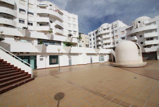 Ref. 112 El Campello playa. San Bartolomé. Local 133 m2 en crudo. Encima de Mercadona.