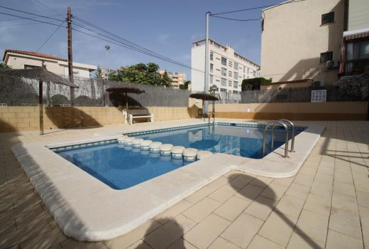 Ref. 9 El Campello. Playa Muchavista. Vistas al mar. Garaje y piscina.