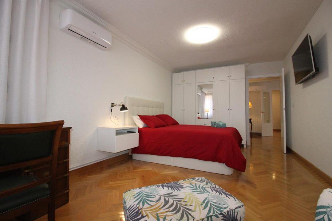 Ref. 20071 Alicante. Gadea. Luceros. Piso de 195 m2 compartido. 5 habitaciones individuales.