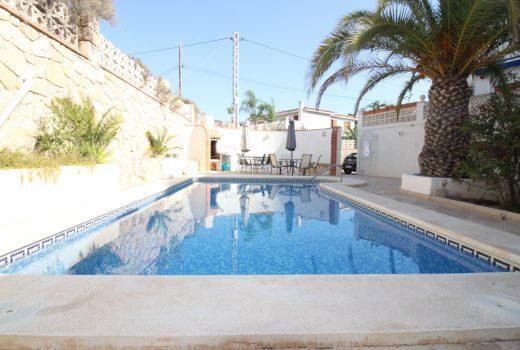 Ref. 20004 Alicante, Cabo Huertas. Piso 3 dormitorios. Urbanización. Parking. Alquiler anual.
