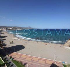 Ref. 25 El Campello, 1ª línea Paseo Marítimo. Vistas al mar. Vivienda 3 dormitorios. Urbanización.
