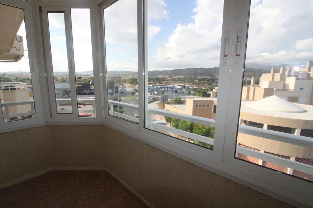 Ref. 21 El Campello junto a centro de salud. Vivienda 3 dormitorios. Ascensor.