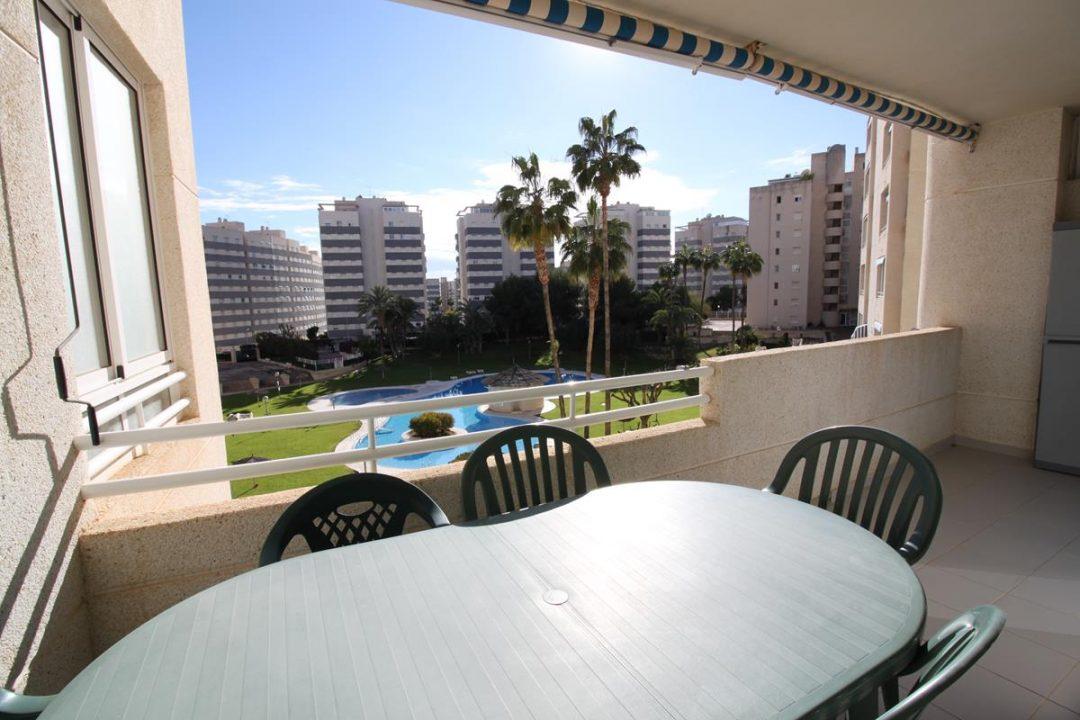 Ref. 20056 El Campello, 2ª línea. Playas. Vivienda 2 dormitorios. Urbanización. Alquiler larga duración.