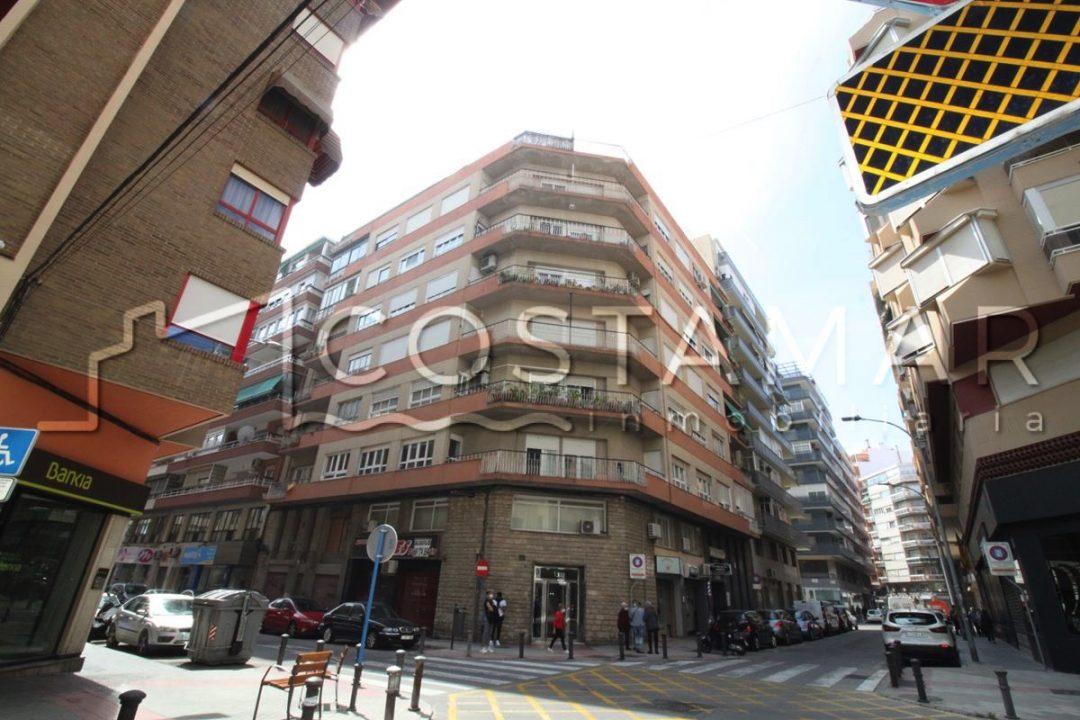 Ref. 5 Alicante. Plaza Galicia y Séneca. Vivienda 140 m2. Garaje.